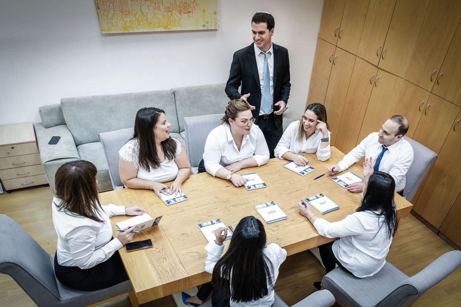 הלוואות לעסקים חדשים - שיתוף פעולה בין אנשים